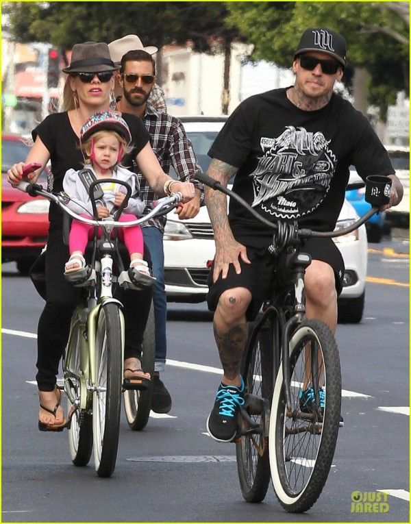 pink-carey-hart-bike-riding-with-willow-15.jpg